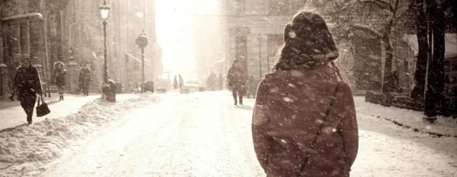 Zile gri și oameni împăiați