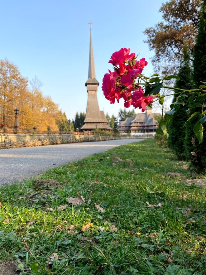 Mânăstirea Peri
